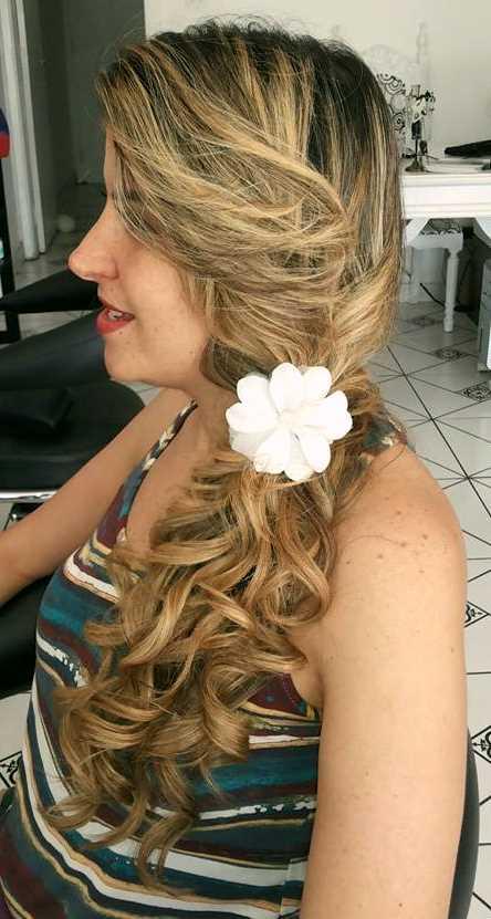 Penteado feito pela Ana ! E eu amei !